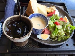 和カフェたらそ - 朝のセットです✯⸜(ّᶿ̷ധّᶿ̷)⸝✯500円プラス、アイスコーヒー750円