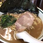 横浜家 - 料理写真:ラーメンのり増し