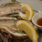 北白川 Miwa - 岩牡蠣 すこしこぶりとのことで二つだそうです