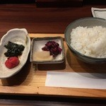 人形町 田酔 - 自家製若芽の佃煮と梅干し、香の物、ごはん