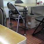3962998 - テーブル席オンリーの構成。