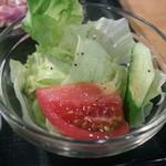 炎 - 満喫ランチのサラダ