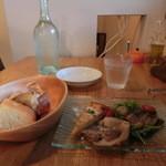 ステラート - 前菜と自家製パンとお冷。