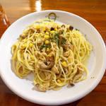 サージョンズカフェ イタリアーノヨコハマ - ツナの塩バターわさび風味(¥1000)。麺は正統派のアルデンテ