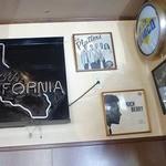 ダイナー - クアーズとカリフォルニア州の関係って?