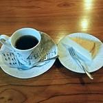 39632168 - まめ坊ブレンド  チーズケーキ
