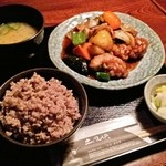 39632372 - ヘルシーチキンと野菜の黒酢あん定食