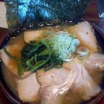星野ラーメン店 - チャーシュー豚骨醤油ラーメン 税込950円