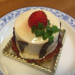 パティスリー シュエト - お名前忘れ レアチーズケーキ