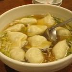 金春本館2号店 - 三鮮汤餃(スープ付茹で餃子)