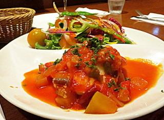 BONCOURAGE - 本日の魚料理:「メカジキのピリ辛トマトソース煮~モッツァレラチーズ添え」