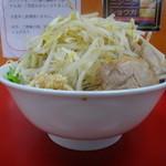 モッコリ豚 - ラーメン並盛ヤサイニンニク
