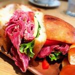 トラスパレンテ - パンチェッタのサンドイッチ