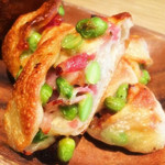 トラスパレンテ - 枝豆とベーコンとチーズのパン