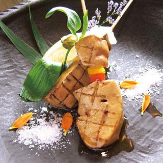 銘柄地鶏のありた鶏(受賞経験)フォアグラ串・佐賀牛串など多数