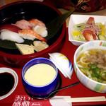 みほり峠 - 寿司定食(肉うどん)