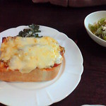 Chiffon Cafe Soie - 2009/2 妹の頼んだピザトーストのセット