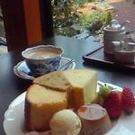 Chiffon Cafe Soie - 2010/2 そわシフォンセットとお庭