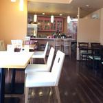 tea room ALICE - 店内