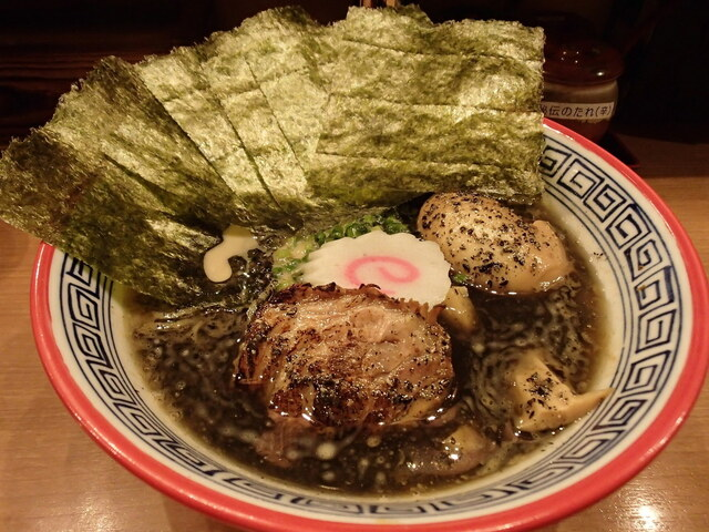 幸丼 東京品川 - 黒豚骨中華そば 味玉、海苔増し