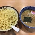 スミレ食堂 - 濃厚つけ麺(大盛り)