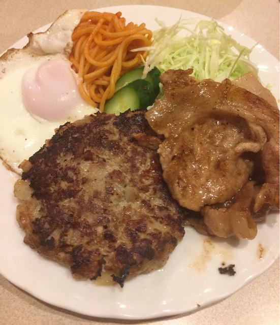飲み処 喰い処 梢 - 特製ハンバーグ生姜焼きライス 1,030円