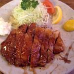 39673370 - 豚ロース生姜焼き定食大盛り950円