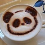 上野グリーンサロン - このイメージはハッキリとわかりますね、「カフェラテdeパンダ (400円)」