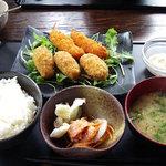サブライム - ミックスフライ定食(980円)