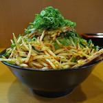 麺匠 有磨屋 - 司郎系らー麺(大盛り、辛もやし増し、2015年5月30日)
