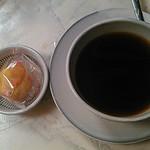 39683190 - 食後のコーヒーとミニデザート