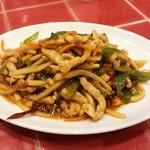 新台北 - 魚香肉丝:細切り豚肉と筍のスーラー炒め