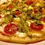 Public ARROW'S - 【バジルチキン&フルーツトマトPizza】バジルソースは無農薬自家栽培の手作りソースです♪
