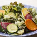 「風の丘ファーム」採れたて野菜のグリルサラダ