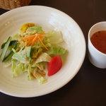 ママーズガーデン - 料理写真:セットのサラダ・スープ
