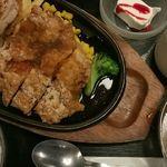 39696604 - 若鶏のピリ辛竜田揚げセット(900円)