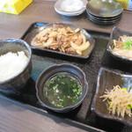 ウシマル - うしバラ焼き定食