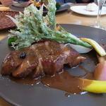 オトワキッチン - ランチコース(2800円)のメインは三元豚肩ロースのソテー