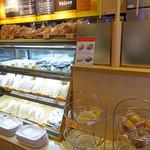 カフェ・ベローチェ - ベローチェのパン