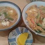 あづま - 玉子丼400円+豚汁200円