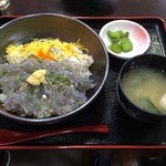江の島 ハルミ - 生しらす丼 1080円