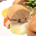 ダマン リュミエール - 野菜とハムのサンドイッチの断面 '15 5月中旬