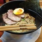 ラー麺 陽はまた昇る - 魚とりとんこつラー麺(750円)とエコ箸