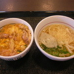 39730752 - 親子丼ミニと小うどん(はいから)