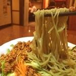 39740467 - 麺は緑の翡翠麺