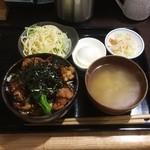 目黒のさんま 菜の花 - 照り焼きチキン丼800円