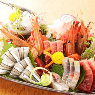 毎朝市場から直送!魚のプロが選ぶ旬の鮮魚をご堪能ください◎