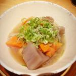 菅乃屋 - ランチの馬刺四種食べ比べセット2700円の煮物