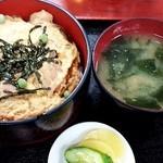 秋月 そば店 - 親子丼850円