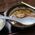 旭川ラーメン熊ッ子 - でかいレンゲ